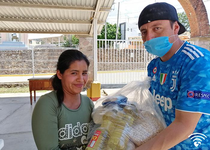 fotos700x500_0000s_0001_Conectando-amor-log-01-01 copy